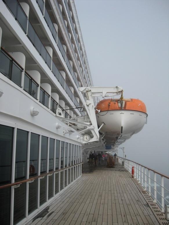 QM2 lifeboats