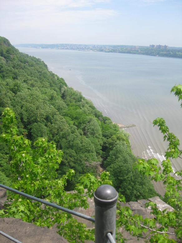 looking up the Hudson from the top of the Palisades
